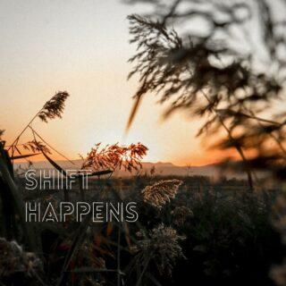 Shift Happens  Ik zie het zo vaak, wat een ongelofelijk shift mensen maken eens ze besloten hebben om zelfzorg een prioriteit te maken.  En weet je wat er nog meer is? Als men je al een tijdje niet gezien of gehoord heeft en mensen je dan weer spreken, valt het zo op dat jij zo een mega stap vooruit hebt gezet in jouw persoonlijke groei.  Dit gaat echt niet ongemerkt voorbij en nog meer, het moedigt mensen aan om ook die stap voor zichzelf te zetten.  Ik ben dankbaar voor iedereen die ik al heb mogen inspireren en super blij om te zien hoe deze mensen op hun beurt weer anderen inspireren!